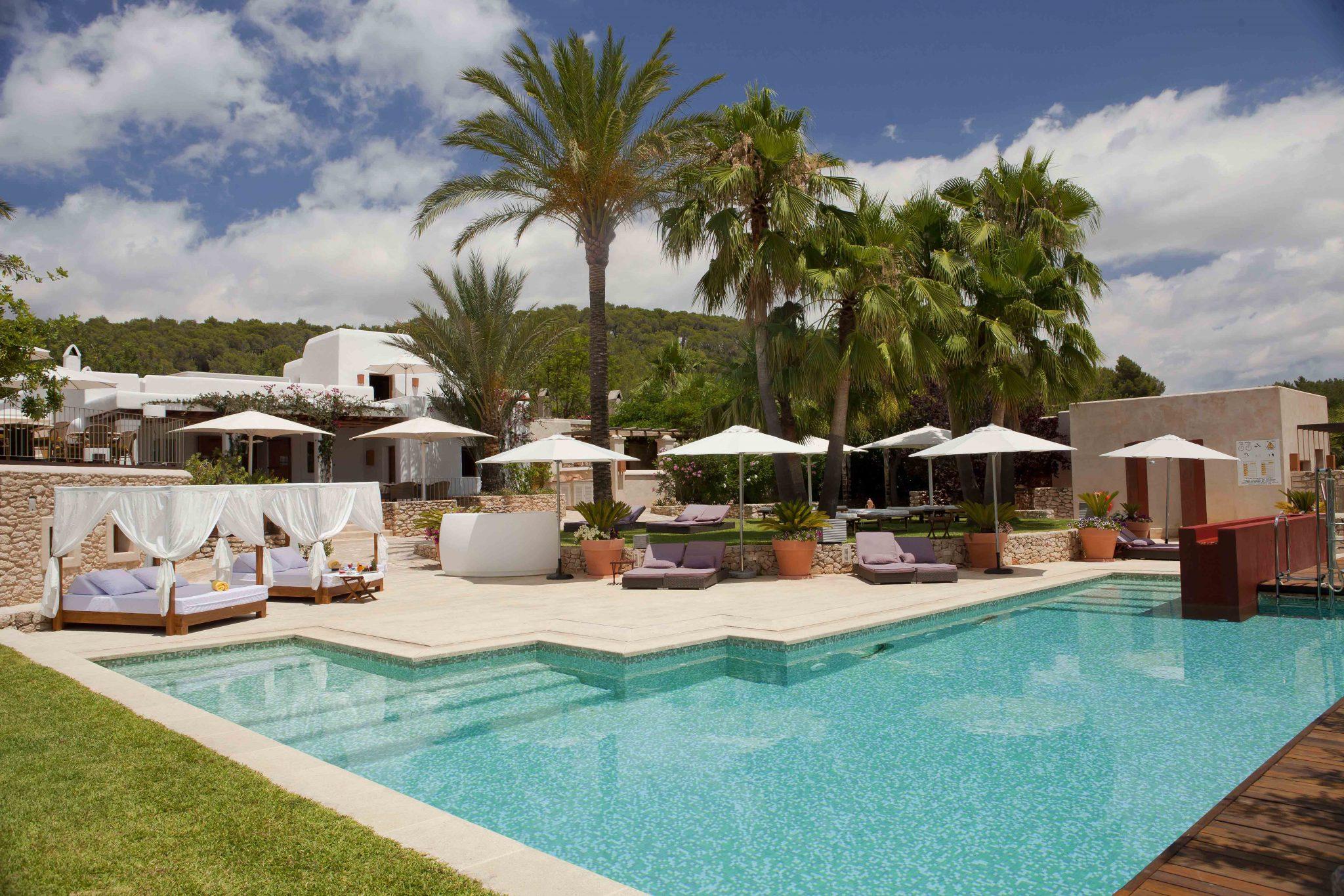 zwembad deluxe hotel Can Lluc Ibiza