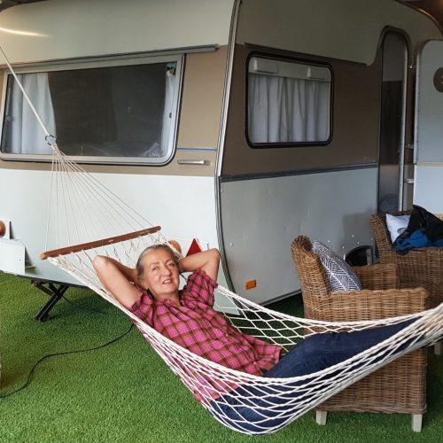 Lekker relaxen in een  hangmat voor je caravan