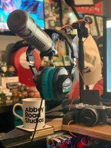 Podcast setting