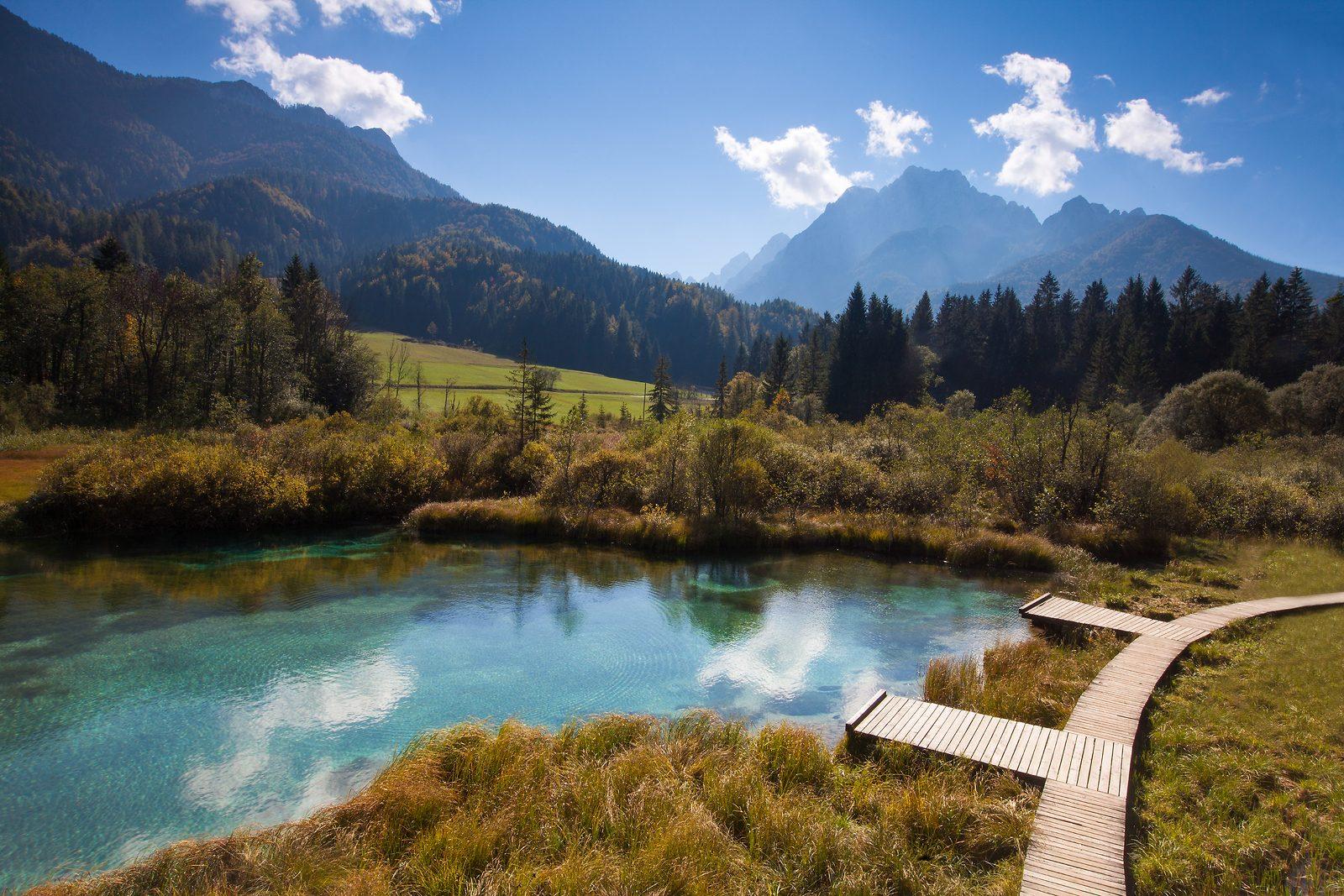 wandelpaden en turqoise meren in Slovenië